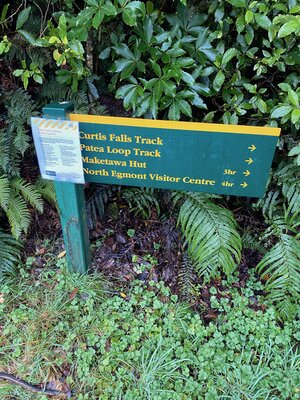 The track sign. I ended up at Maketawa hut!